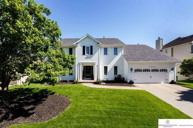 17524 U Street, Omaha, NE 68135 (MLS #22015933) :: Dodge County Realty Group