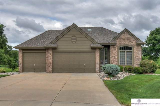 21905 Stanford Circle, Elkhorn, NE 68022 (MLS #22015934) :: The Briley Team