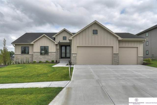 21401 A Street, Elkhorn, NE 68022 (MLS #22015955) :: The Briley Team