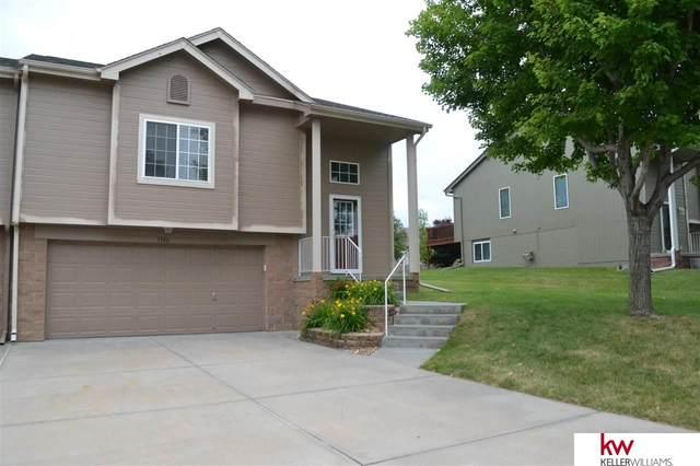 1106 Woodview Drive, Papillion, NE 68046 (MLS #22015969) :: kwELITE