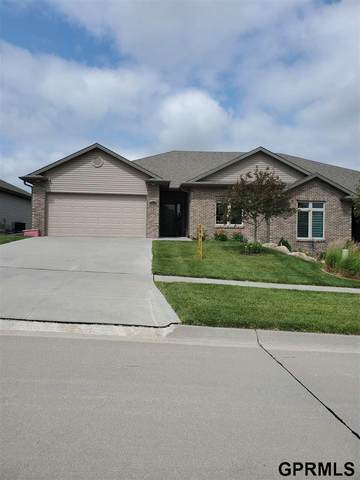 9109 South  28th Street, Lincoln, NE 68516 (MLS #22015975) :: Dodge County Realty Group