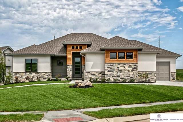 18408 Greenleaf Street, Omaha, NE 68130 (MLS #22015999) :: The Briley Team