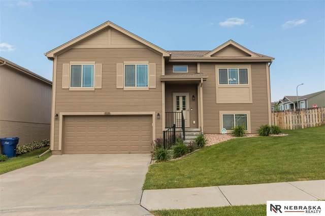 8228 N 147 Street, Bennington, NE 68007 (MLS #22016009) :: Dodge County Realty Group