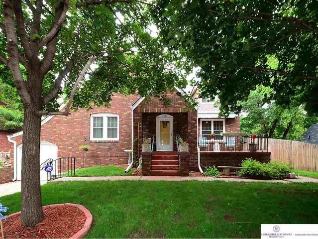 2407 N 52 Street, Omaha, NE 68104 (MLS #22016080) :: Dodge County Realty Group