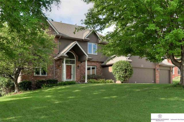 17309 Dayton Circle, Omaha, NE 68135 (MLS #22016086) :: Dodge County Realty Group