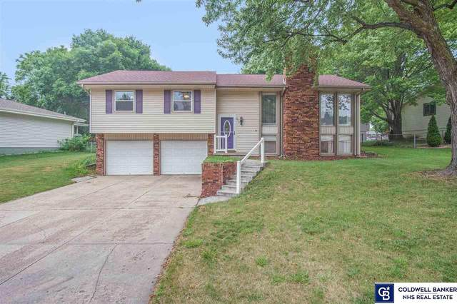810 Donegal Drive, Papillion, NE 68046 (MLS #22016197) :: Dodge County Realty Group
