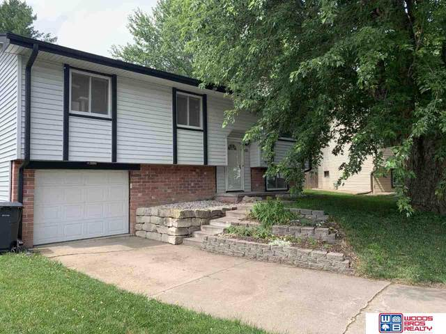 1521 W Park Circle, Lincoln, NE 68522 (MLS #22016232) :: kwELITE