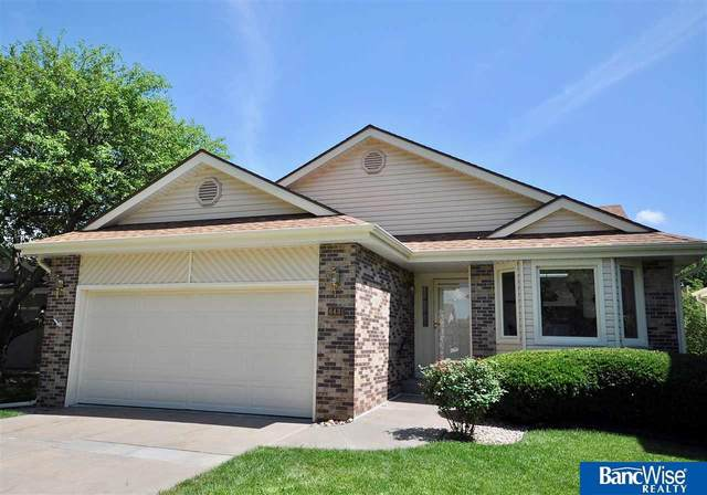 6431 Westminster Court, Lincoln, NE 68510 (MLS #22016236) :: The Briley Team