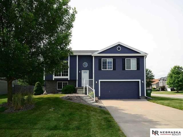 823 Lake Vista Drive, Papillion, NE 68046 (MLS #22016251) :: Cindy Andrew Group