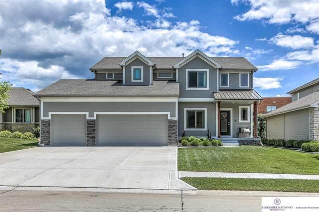 207 S 197 Street, Omaha, NE 68022 (MLS #22016257) :: One80 Group/Berkshire Hathaway HomeServices Ambassador Real Estate