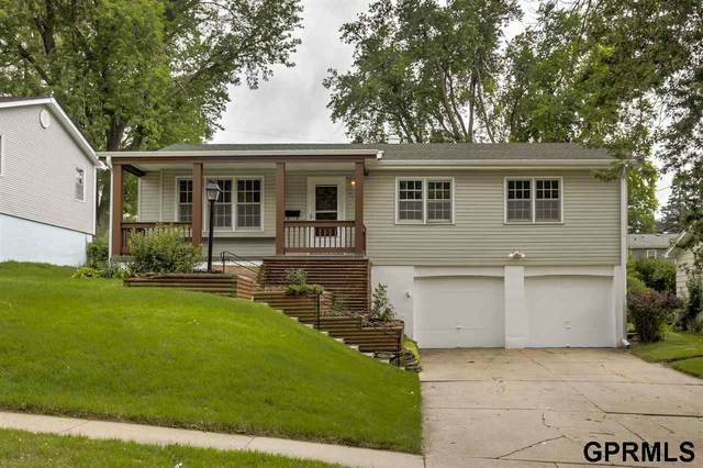 6405 Parkview Lane, Omaha, NE 68104 (MLS #22016267) :: One80 Group/Berkshire Hathaway HomeServices Ambassador Real Estate