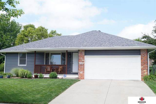 2138 Philadelphia Drive, Lincoln, NE 68521 (MLS #22016315) :: The Briley Team