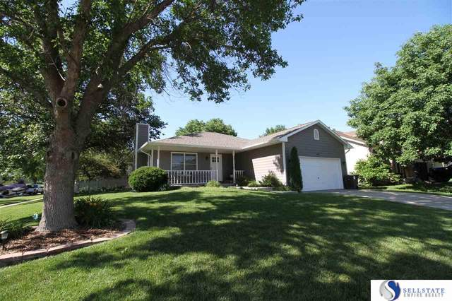648 W Jennifer Street, Lincoln, NE 68521 (MLS #22016338) :: kwELITE
