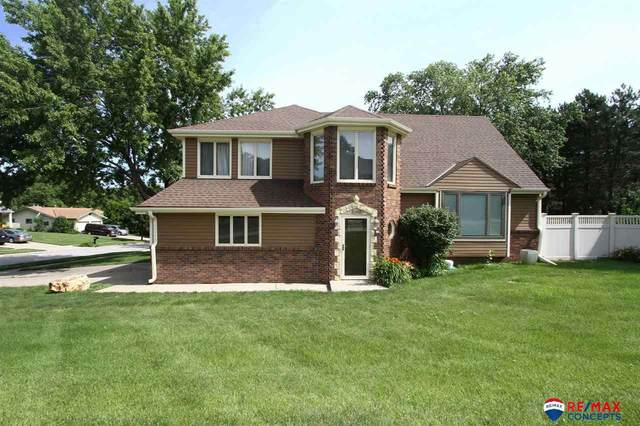 6900 Berrywood Lane, Lincoln, NE 68516 (MLS #22016347) :: kwELITE