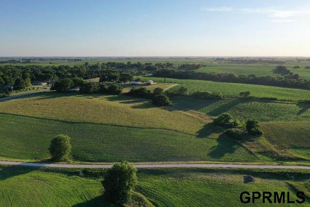 2709 Hidden Timbers Drive, Fremont, NE 68025 (MLS #22016372) :: One80 Group/Berkshire Hathaway HomeServices Ambassador Real Estate