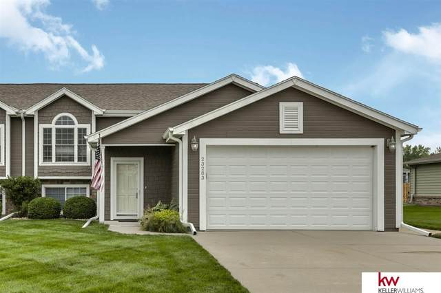 23283 Kelsey Lane, Waterloo, NE 68069 (MLS #22016373) :: Capital City Realty Group