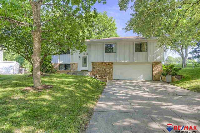 14086 Monroe Circle, Omaha, NE 68137 (MLS #22016378) :: Capital City Realty Group