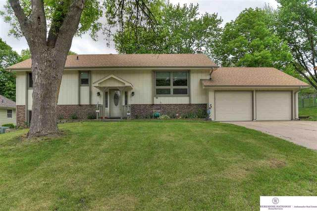 1326 S 166 Street, Omaha, NE 68130 (MLS #22016384) :: Dodge County Realty Group