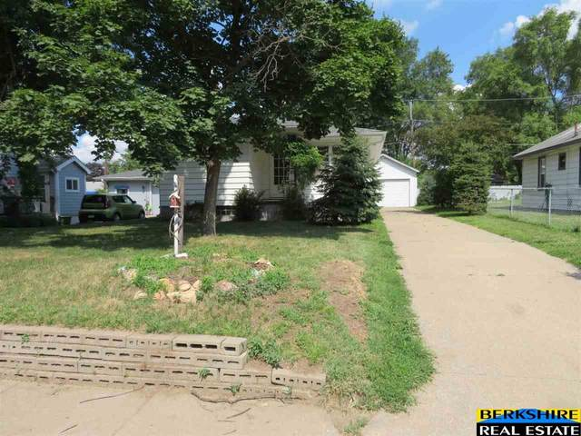 509 N 40th Street, Council Bluffs, IA 51501 (MLS #22016400) :: One80 Group/Berkshire Hathaway HomeServices Ambassador Real Estate