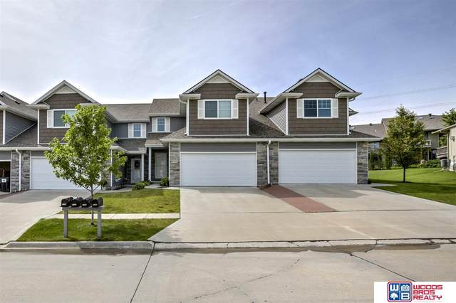 8739 Remi Drive, Lincoln, NE 68526 (MLS #22016415) :: kwELITE