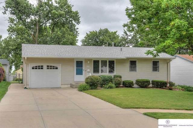 12704 B Street, Omaha, NE 68144 (MLS #22016419) :: One80 Group/Berkshire Hathaway HomeServices Ambassador Real Estate