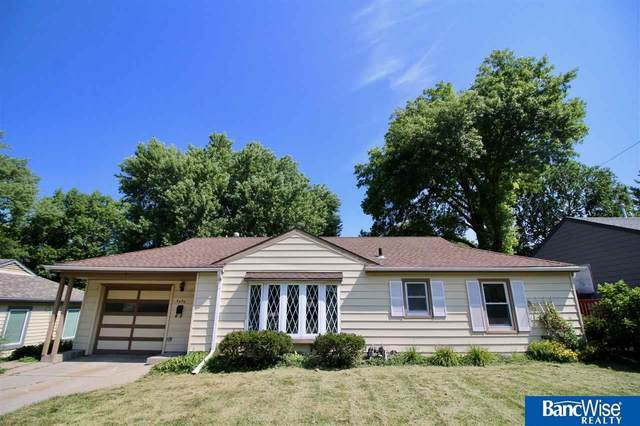 3330 Pawnee Street, Lincoln, NE 68506 (MLS #22016650) :: Lincoln Select Real Estate Group