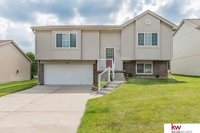 2915 N 146th Street, Omaha, NE 68116 (MLS #22016702) :: kwELITE