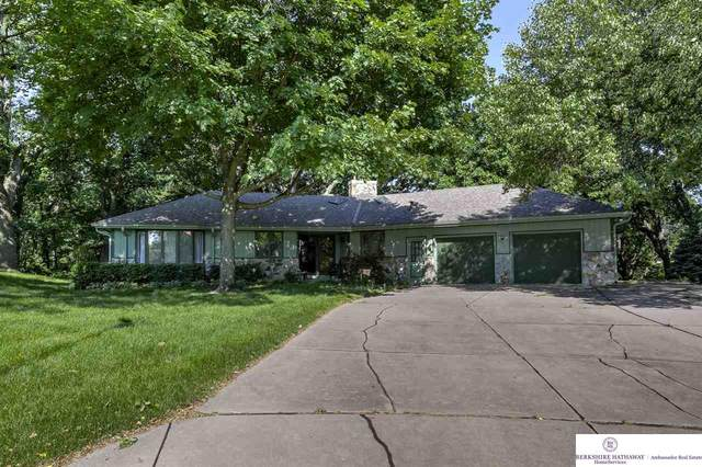 9970 High Point Circle, Omaha, NE 68112 (MLS #22016750) :: Omaha Real Estate Group