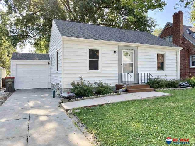 2108 S 35 Street, Lincoln, NE 68506 (MLS #22016758) :: Stuart & Associates Real Estate Group