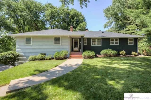 10328 Brookside Lane, Omaha, NE 68144 (MLS #22016866) :: kwELITE