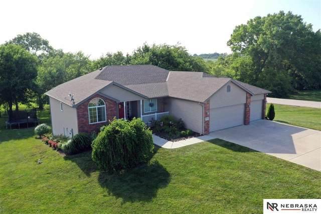 1425 Shire Lane, Eagle, NE 68347 (MLS #22016868) :: Stuart & Associates Real Estate Group