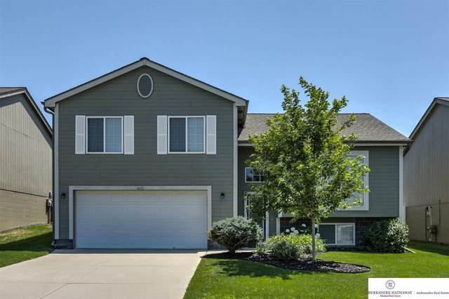 4611 N 168th Avenue, Omaha, NE 68116 (MLS #22016874) :: kwELITE