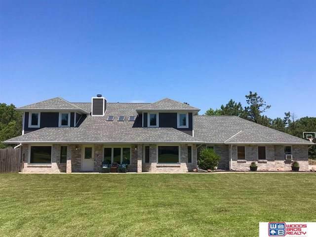 2400 W Stirrup Drive, Lincoln, NE 68523 (MLS #22016882) :: kwELITE