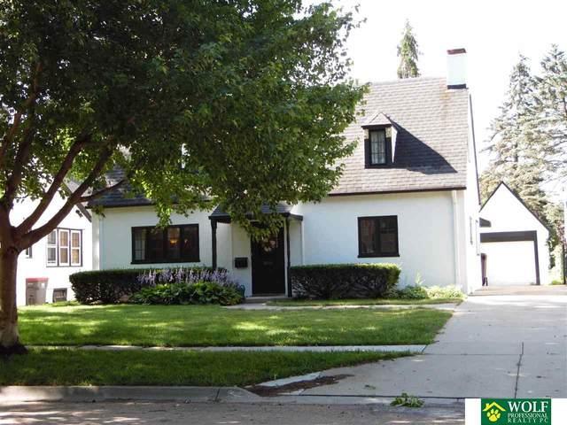 2545 Van Dorn Street, Lincoln, NE 68502 (MLS #22016929) :: Stuart & Associates Real Estate Group