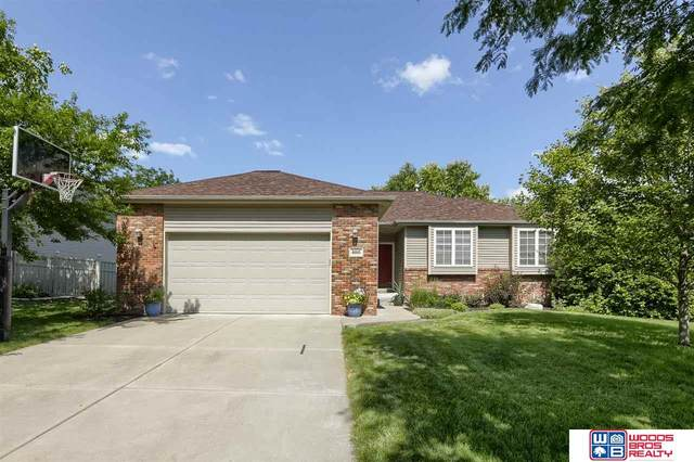 8010 S 35th Street, Lincoln, NE 68516 (MLS #22016938) :: kwELITE