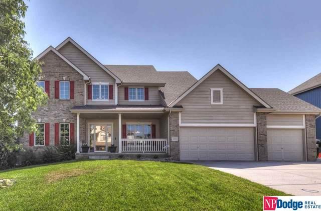 2361 Broadwater Drive, Papillion, NE 68046 (MLS #22016946) :: One80 Group/Berkshire Hathaway HomeServices Ambassador Real Estate