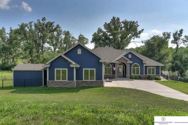 6130 Glen Oaks Drive, Fort Calhoun, NE 68023 (MLS #22016953) :: The Briley Team