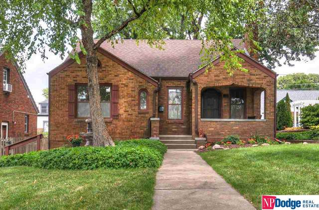 4540 Walnut Street, Omaha, NE 68106 (MLS #22016956) :: Cindy Andrew Group