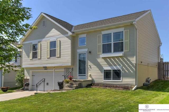 19512 T Street, Omaha, NE 68135 (MLS #22016993) :: Omaha Real Estate Group