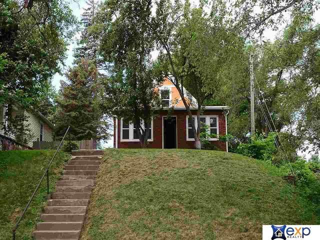 4710 S 17th Street, Omaha, NE 68107 (MLS #22017003) :: Omaha Real Estate Group