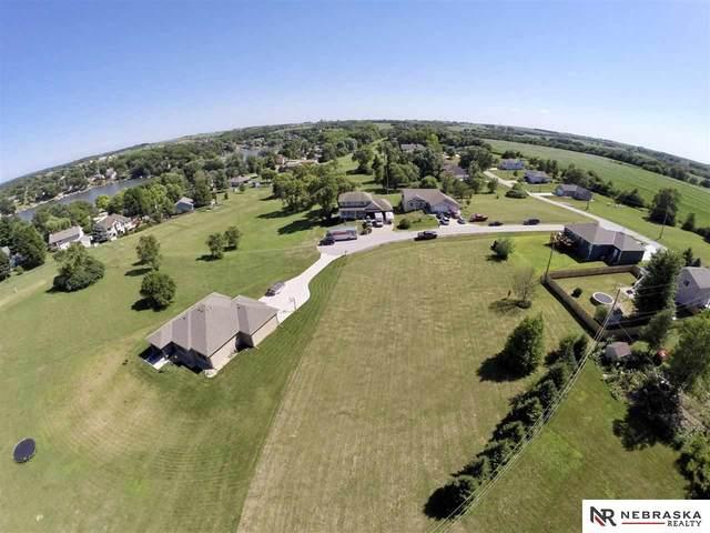 820 Mead Court, Plattsmouth, NE 68048 (MLS #22017023) :: The Homefront Team at Nebraska Realty