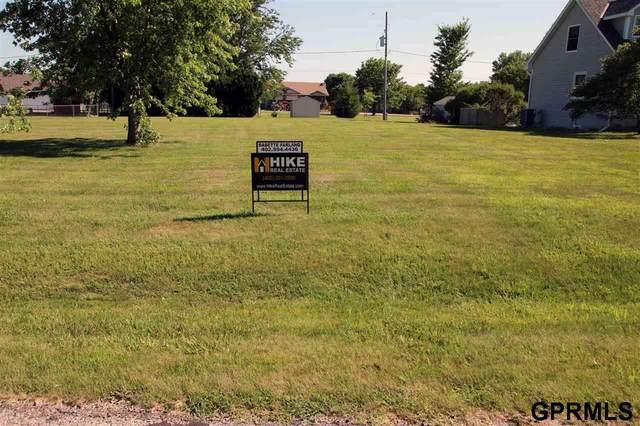 2609 Overlook Circle, Plattsmouth, NE 68048 (MLS #22017037) :: The Homefront Team at Nebraska Realty
