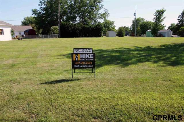 2613 Overland Circle, Plattsmouth, NE 68048 (MLS #22017045) :: The Homefront Team at Nebraska Realty