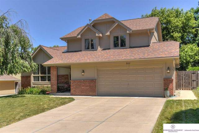 933 N 150th Street, Omaha, NE 68154 (MLS #22017056) :: One80 Group/Berkshire Hathaway HomeServices Ambassador Real Estate