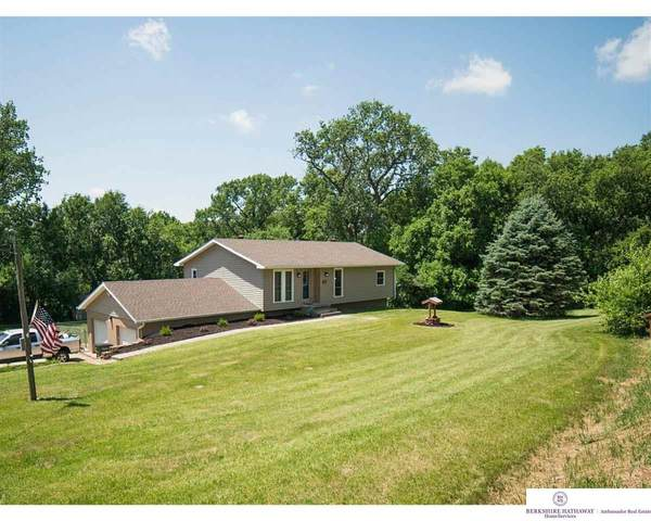 21337 Greenview Road, Council Bluffs, IA 51503 (MLS #22017077) :: Complete Real Estate Group