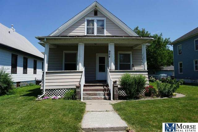 924 6 Avenue, Council Bluffs, IA 51501 (MLS #22017105) :: One80 Group/Berkshire Hathaway HomeServices Ambassador Real Estate