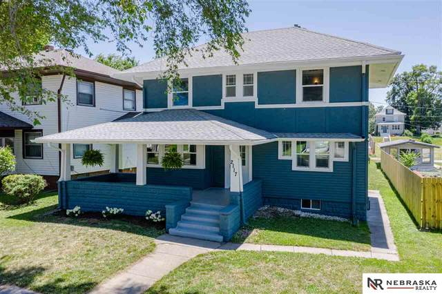 2117 Lothrop Street, Omaha, NE 68110 (MLS #22017119) :: Lincoln Select Real Estate Group