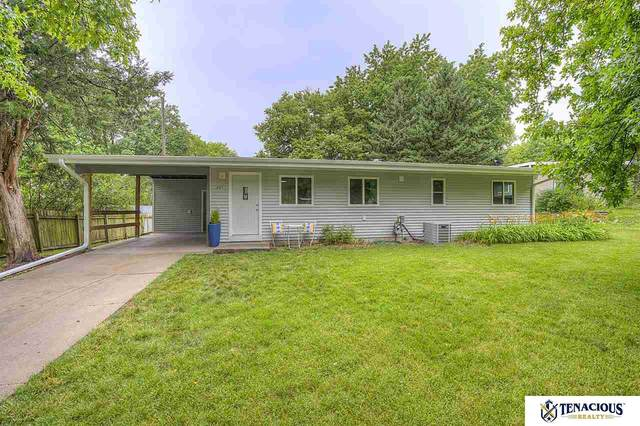 231 Prestwick Road, Lincoln, NE 68505 (MLS #22017173) :: Cindy Andrew Group