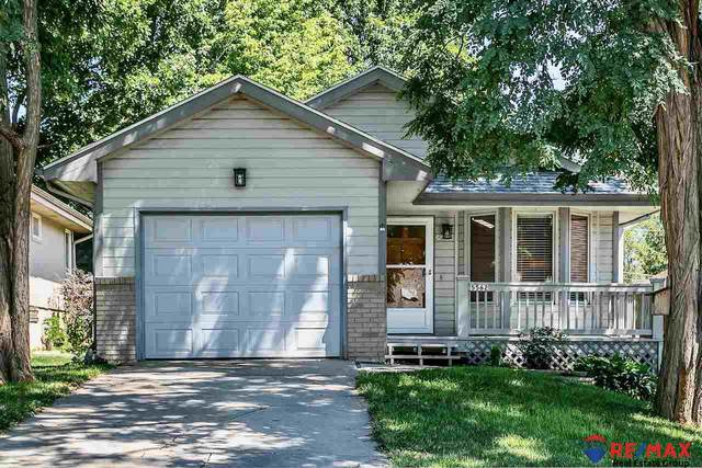 5562 Walnut Street, Omaha, NE 68106 (MLS #22017176) :: The Homefront Team at Nebraska Realty