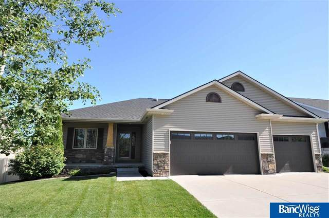 2912 O'malley Circle, Lincoln, NE 68516 (MLS #22017182) :: kwELITE